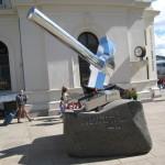 Monumentet «Knus nazismen» er en hyllest til Asbjørn Sunde og sabotørene. Foto: © CC-BY Revolusjon/JRS